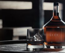 CGI Rendering Produktvisualisierung Whiskey Smooth